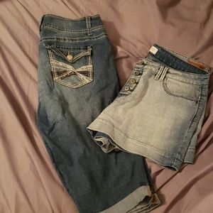 Gorgeous pair of shorts and capris SIZE 15